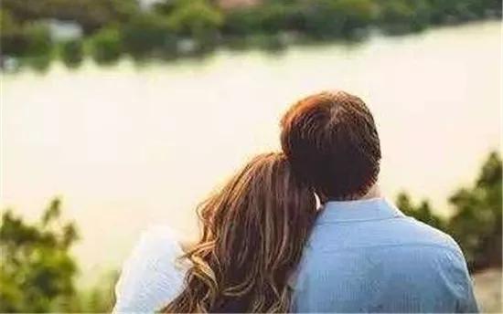 爱燃情感:男人越是珍惜你,这4件事就越不会主动