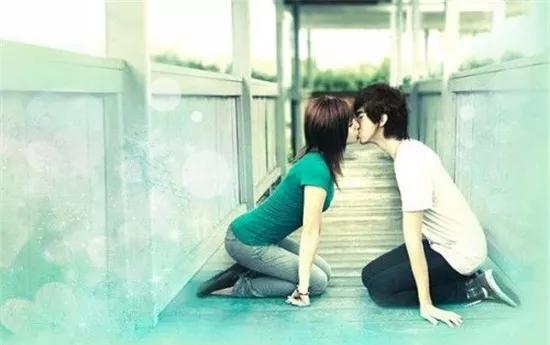 """爱燃情感:男人爱你还是玩你,就看他有没有这3个""""小动作"""""""