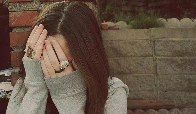 爱燃情感:男人出轨管不住自己,凭什么怪女人?