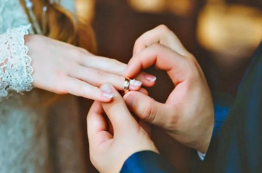 别人幸福美满,自己遭遇背叛:如何驾驭自己的丈夫